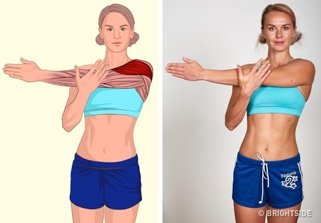 Nếu có phần bắp tay to, nhiều mỡ thừa, hãy tập động tác ép tay vặn người.