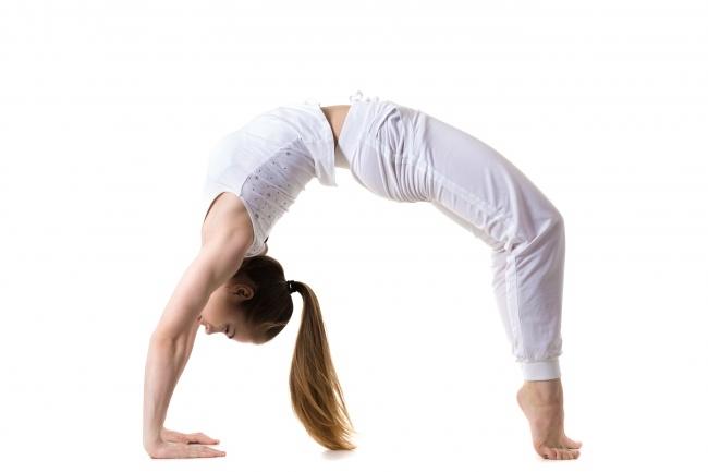 Tư thế này giúp lồng ngực giãn nở, trị đau cổ, mệt mỏi và đau đầu.